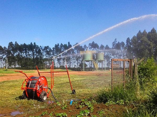 saiba tudo sobre a irrigação no verão