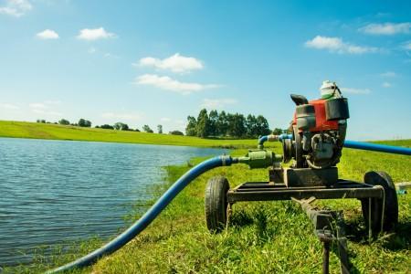 Irrigação: motobomba no IRRIGAT